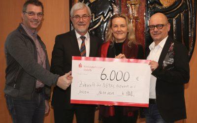 CHARISMA spendet 6.000 Euro für Nepalhilfe